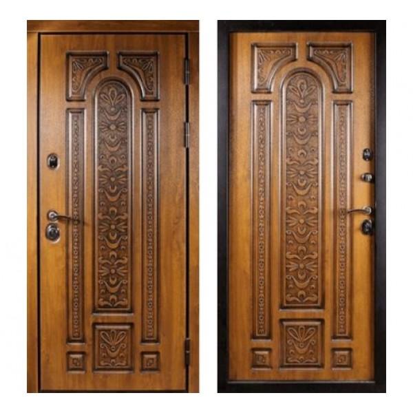 уличная дверь Сударь Рим