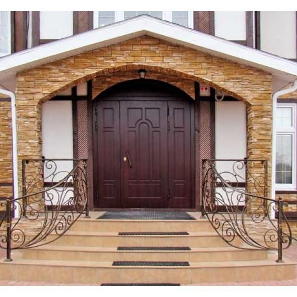 Двустворчатая входная дверь для дома с теплоизоляцией